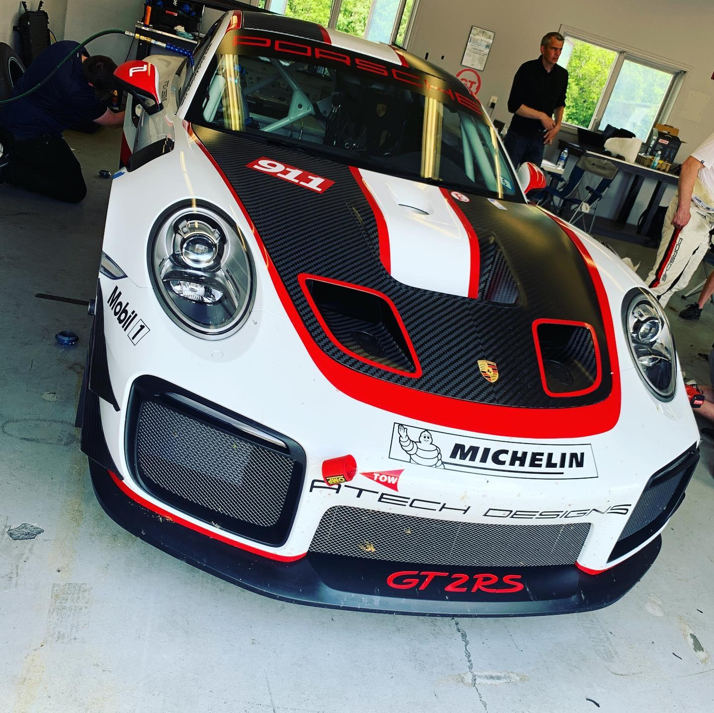 The brand-new GT2RS Clubsport with its 700hp is a real thriller!