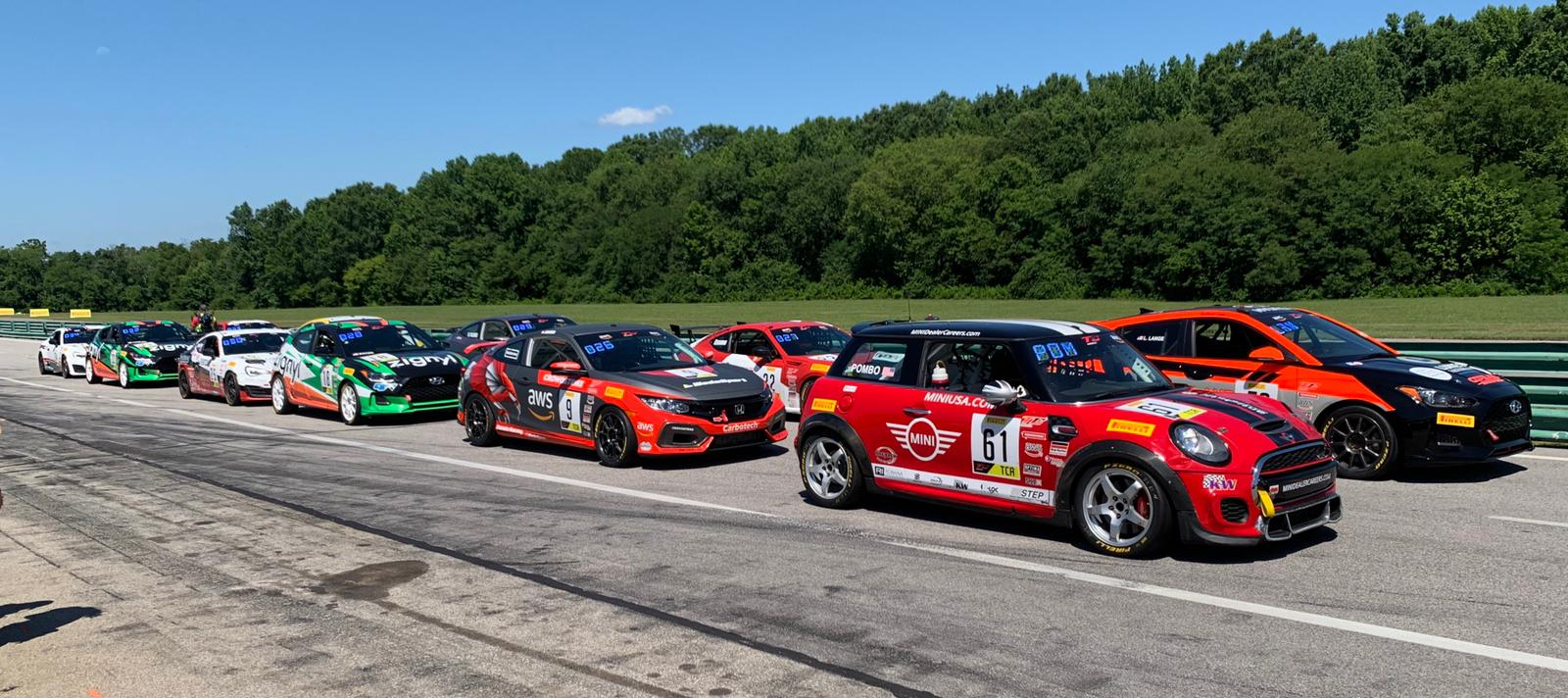 The TCA starting grid for Race 2.